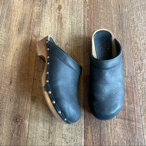 Sanita black studded leather wooden clogs sz 40/ 9